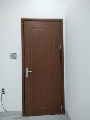 cửa nhựa giả gỗ tại Huế